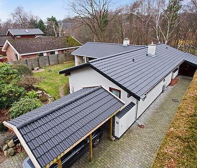 Nyt tegltag fra Komproment med firkantede zinktagrender til hus i Lyngby