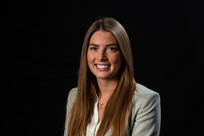 Anastasia Beck Andersen, Salg og vurdering