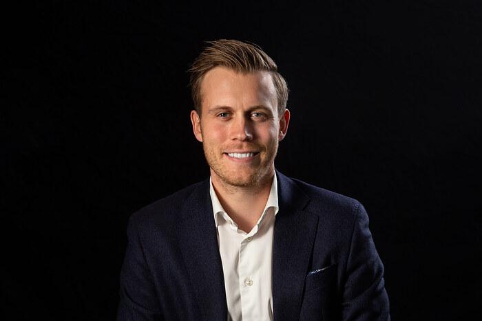 Jonas Bertolt Hybel, Butikschef, Ejendomsmægler, MDE