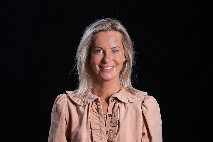 Camilla Stolpe, Salg og vurdering