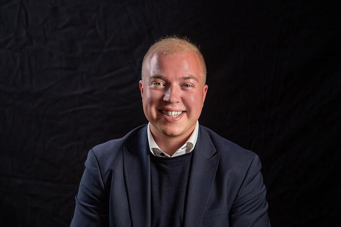 Alexander Lind Smedegaard, Salg og vurdering