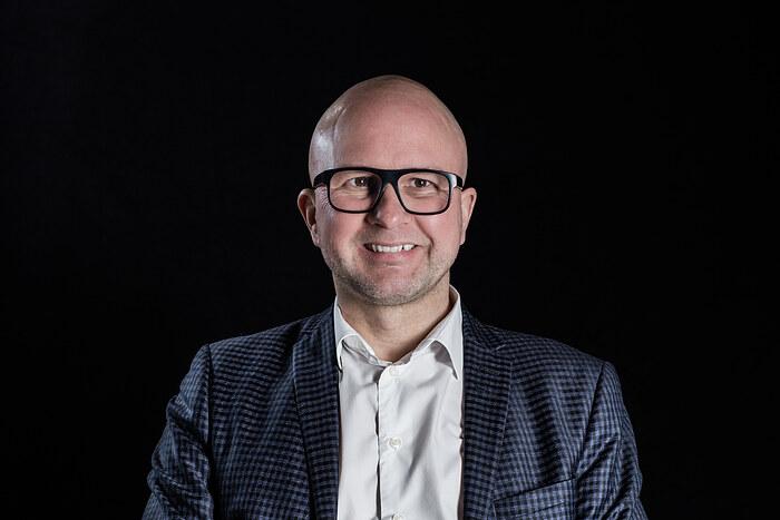 Jesper Strøm, Indehaver/ Ejendomsmægler MDE