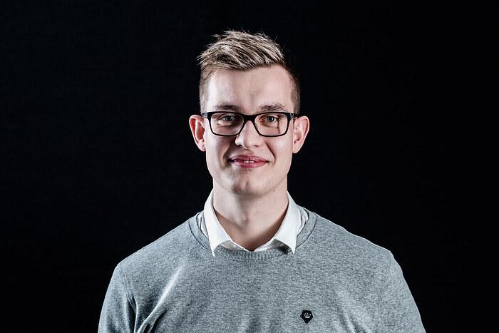 Mathias Knudsen, Salg og Sagsbehandling