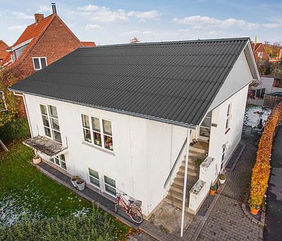 Nyt 120 m2 tag med Cembrit bølgeeternitplader i Næstved