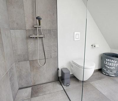 Nye klinker i køkken-alrum og badeværelser i Haslev nær Næstved