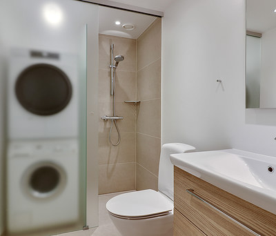 Nyt 4 m2 badværelse med Ifö toilet, Hansgrohe vandhane og Unidrain afløb på Frederiksberg