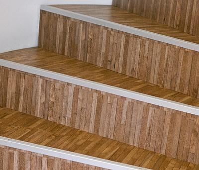 Nyt gulv med designvinyl der ligner egetræsgulv i København K