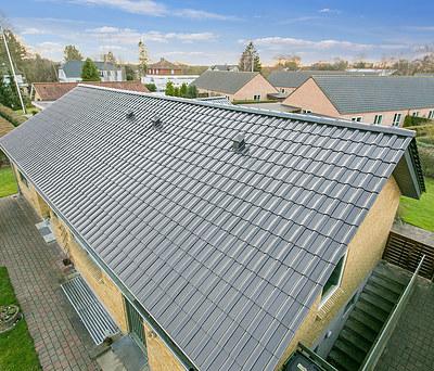 Nyt 185 m2 V. Meyer tegltag med Rheinzink tagrender i Odense