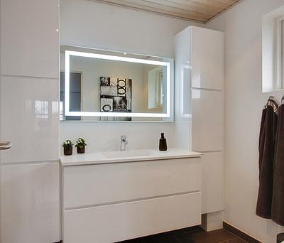 To nye badeværelser med flotte stavmosaiker og Damixa vandhaner i Brøndby Strand