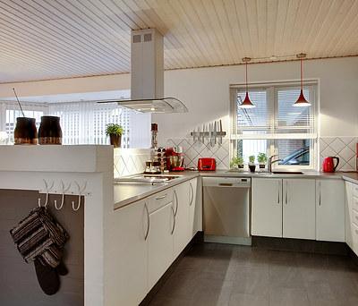 Nye fliser til helt hus i Brøndby Strand