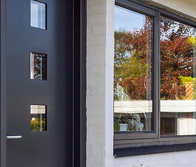 Ny tilbygning med listetag og nye vinduer fra Kastrup Vinduet i Herning