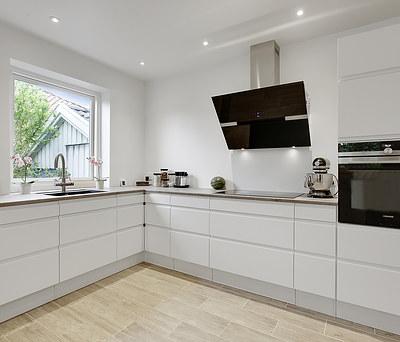 Flot nyt 20 m2 AUBO køkken med BLANCO silgranit vask i Søborg nær Lyngby