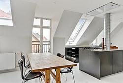 Totalrenovering af 150 m2 lejlighed med IKEA køkken og epoxygulv i København V