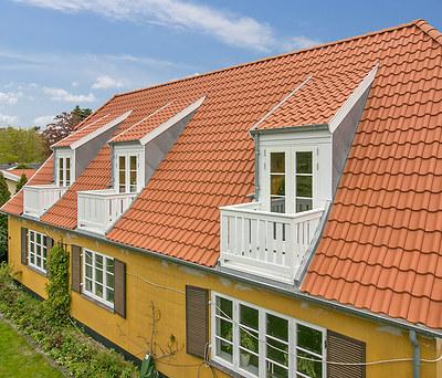 Ny 1. sal inkl. nyt tag med Randers tegl i Vedbæk nær Hørsholm