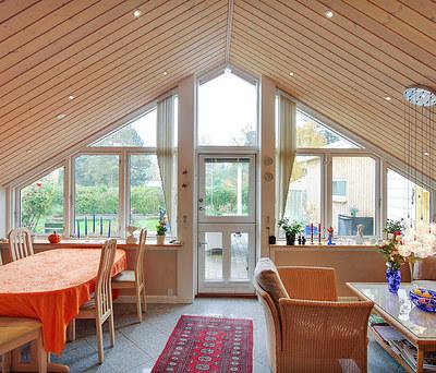 Ny udestue i forlængelse af husets eksisterende stue i Grevinge nær Holbæk