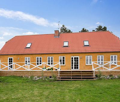 Montering af nye Outline træ/alu vinduer i Høng nord for Slagelse