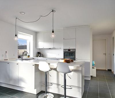 Nyt 30 m2 HTH køkken med Hansgrohe vandhane og Imola fliser i Jyderup øst for Kalundborg