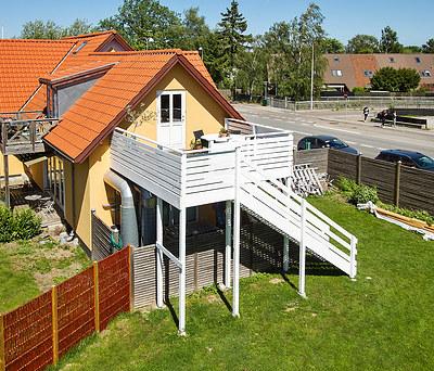 Ny hovedingang til 1. sal til hus i Taastrup nær København