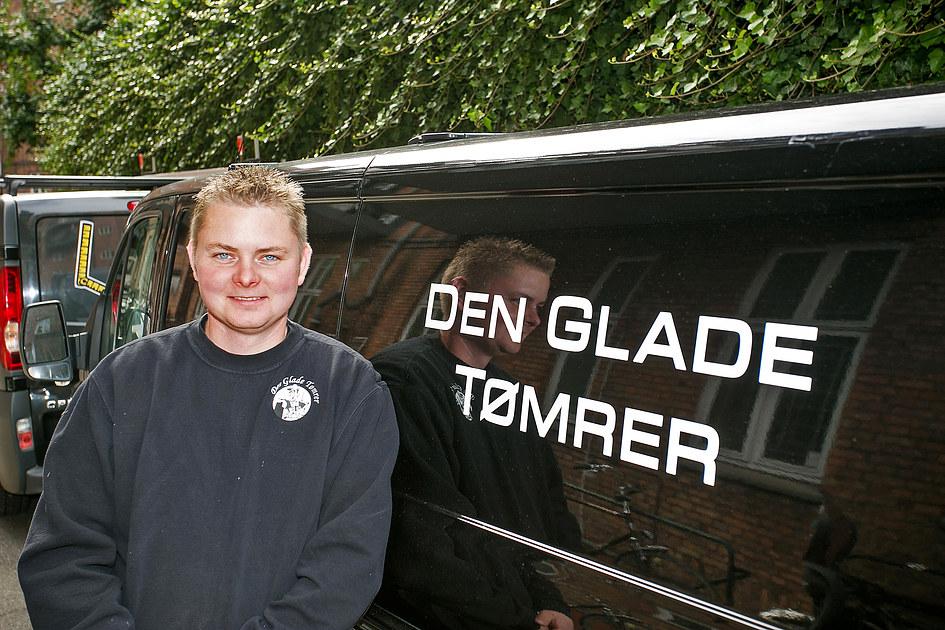 Den Glade Tømrer ApS - TLF: 42 90 30 60 2