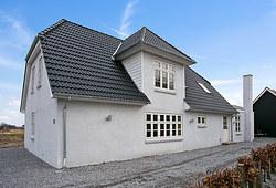 Nyt 220 m2 IBF tag og facaderenovering på hus i Bredebro nær Tønder