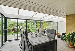Flot ny udestue på 32 m2 i Hørsholm nær Hillerød opført af Tømrermester Per Winther