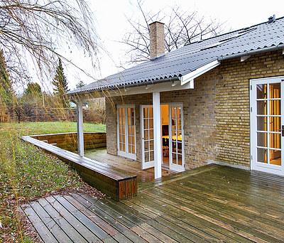 Ny 150 m2 tilbygning og træterrasse i Espergærde nær Helsingør