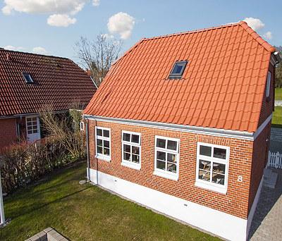 Nyt 95 m2 V. Meyer tegltag inkl. Velux vinduer og Rheinzink tagrender i Haderslev