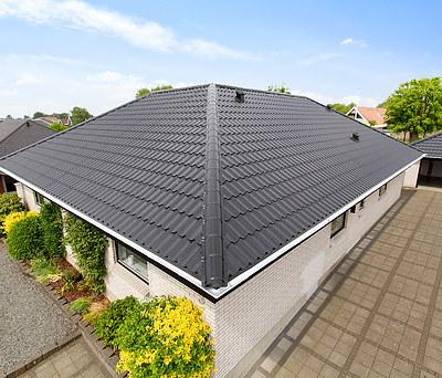Nyt 286 m2 ståltag fra Profilmetal til hus i Varde nær Esbjerg