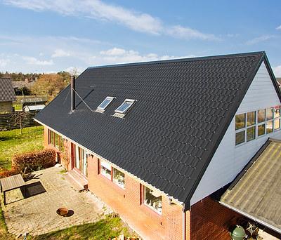 Nyt 223 m2 ståltag fra Profilmetal til hus i Roskilde
