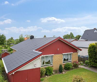 Nyt 170 m2 ståltag fra Profilmetal til hus i Kolding