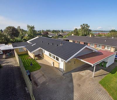 Nyt 194 m2 ståltag fra Profilmetal til hus i Jyllinge