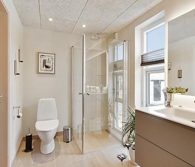 Renovering af 8 m2 badeværelse med Damixa bruser i Kalundborg