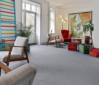 Lægning af nye gulvtæpper i 500 m2 kontormiljø i København Ø