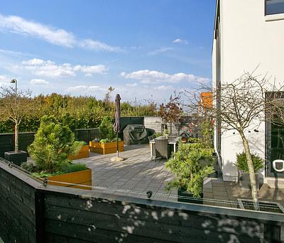 Flot udvidelse af terrasse med klassiske IBF fliser i Kolding