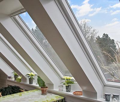 Nye Velux ovenlysvinduer til hus i Herlev nær København