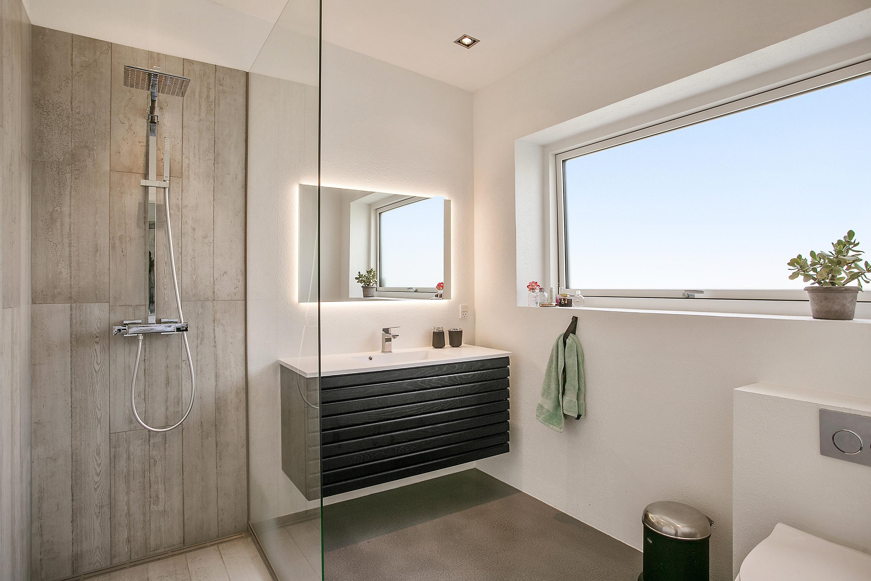 betongulv badeværelse Nyt flot 10 m2 badeværelse med New Yorker betongulv i Hvidovre nær  betongulv badeværelse