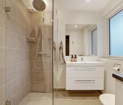 Totalrenovering af villa, inkl. nyt køkken og to nye badeværelser i Snekkersten