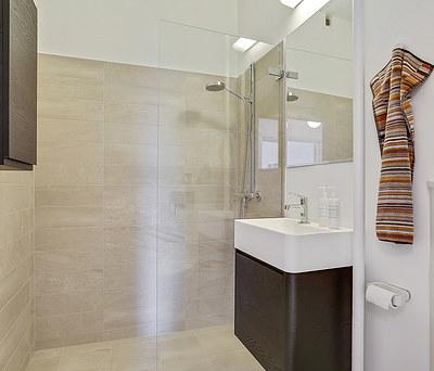 Nyt flot 6 m2 badeværelse med Ifö glasvæg på Frederiksberg nær København