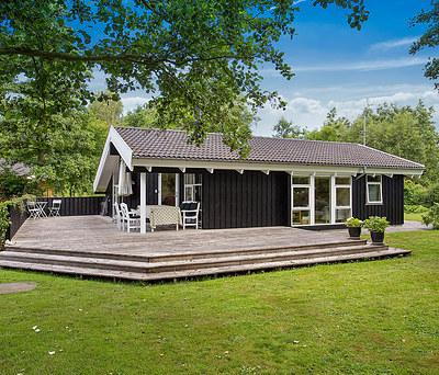 Maling af 70 m2 sommerhus og skur i Kalundborg