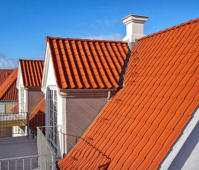 Nyt 500 m2 rødt tegltag med Randers Tegl i Løkken nær Hjørring