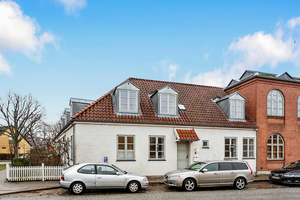 Se interessante boliger til salg i bl.a. Holte, Lyngby og Charlottenlund